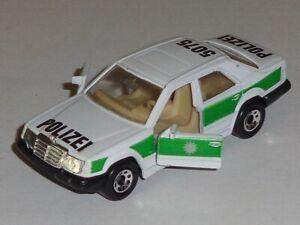Vintage Matchbox White Mercedes-Benz 300E Polizei Car Very Good Condition 1/61
