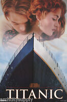 POSTER :MOVIE REPRO: TITANIC - STAR HUG - LEO & KATE - FREE SHIP #1683 LC31 H