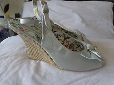 ATMOSPHERE SILVER WEDGE SHOES-SIZE=8 / 41