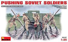 Miniart 1/35 empujando soldados soviéticos # 35137 @