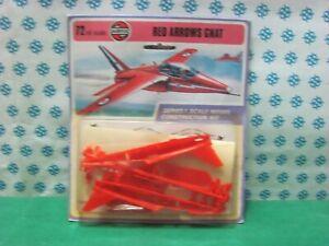 Vintage  -   RED  ARROWS  GNAT    -  Scala 1/72  Airfix  Kit  Construction