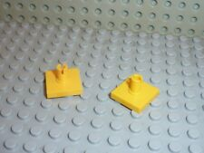 2 x LEGO Yellow Tile 2 x 2 with Pin ref 2460 / Set 4999 6617 4980 4559 7249 6542