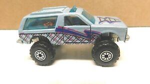 Hot Wheels - 1/64 -  Blazer   -  - Loose