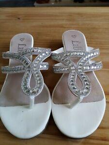 Ladies White Slip On Size5 Make Is Lilley