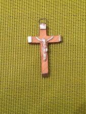 Croce in legno e metallo. Souvenir di Gerusalemme. 4,5 cm.