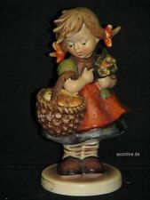 "Goebel Hummel 355 ""Herbstsegen"", Autumn harvest, Mädchen mit Äpfel in Korb"