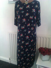 BNWT size 18-20 lovely navy blue multi stretchy dress
