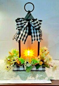 tabletop floral arrangement -WITH BATTERY POWER LANTERN