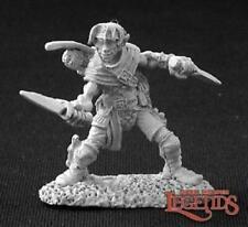 Reaper Miniatures 03257: Dilean Softstep, 1/2 Elf Rogue - Dark Heaven Legends Me