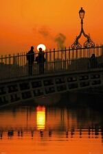 DUBLIN IRELAND ~ HALFPENNY BRIDGE ~ COUPLE AT SUNSET~ 24x36 POSTER ~ NEW!