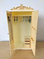 Vintage Pedigree Sindy Wardrobe & Clothes Hangers