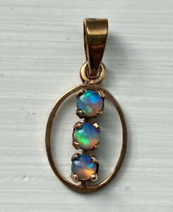 375 9ct Gold Black Opal Pendant Vintage