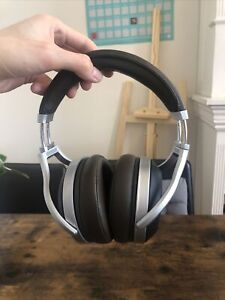 Denon AH-D5200 Closed Headphones