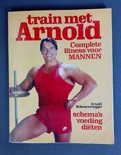 Train met Arnold Schwarzenegger boek met trainingsschema's en voedingsschema's