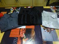 lot=homme  3 chemises = cargo et rivaldi =T 40-42+POLO ROUGE OFFERT