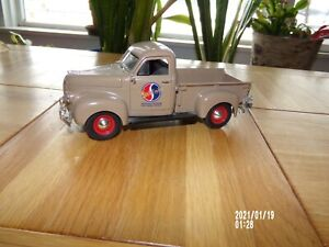 RARE ERTL COLLECTiBLES 1947 Studebaker Pickup Diecast Studebaker limited edition
