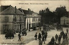 CPA   Revigny (Meuse) - Place de la Gare et Passage á Niveau  (431991)
