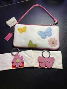 NWT COACH Leather Butterfly & Daisy Floral White Wristlet with 2 Keychains