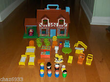 VINTAGE 1969-80 FISHER PRICE LITTLE PEOPLE BROWN TUDOR PLAY HOUSE
