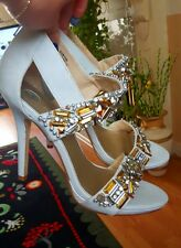 river island light grey shoes with diamante detail size 6 / 39