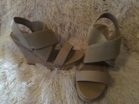 Charles by Charles David Allison Platform Sand Wedge Sandals SZ 11 M NEW