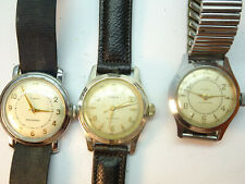 VINTAGE TIMEX US TIME WINDUP WATCHES 3 WITH BAND RUNNING PLUS 2 FOR RESTORATION