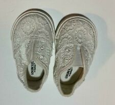OshKosh Genuine Kids Baby Slip-ons Size 2 Used Gently