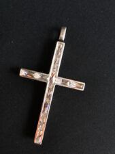 Pendente moderno a croce in argento 925 con 11 topazi taglio baguette P86