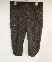 Eddie Bauer Cargo Capri Pants Women's Size 8 Gray floral Casual Cropped