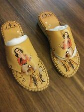 Two Lips Nola Cowgirl Size 8M Brown & Red Sandals Shoes flat between toe #168