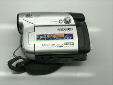 "Samsung Sc-Dc164 Digital Cam Dvd Camcorder - No Battery - 2.7"" Wide Lcd 33x Zoom"