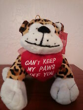 """Valentines Day Plush Leopard with Heart says """"Can't Keep My Paws Off You"""" Nwt"""