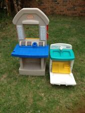 Little Tikes Role Play tuck stall and washing cabinet
