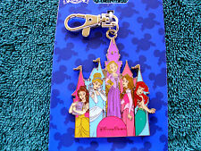 Disney * PRINCESSES ON CASTLE * New on Card Pin Trading Lanyard Medal