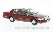 WHITEBOX WB133 - 1/43 LINCOLN TOWN CAR METALLIC RED 1996
