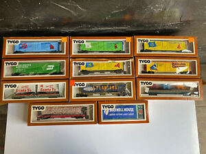 Vintage 1970s Ho Scale Tyco Train Box Car Lot In Box
