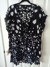 TS Taking Shape Black and White Tunic Top Size 18