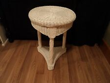 White Wicker Accent Round Table side/end occasional plant/night stand sHabBy