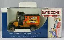 DG085022 Days Gone Lledo - RENAULT Van.lion Fireworks.