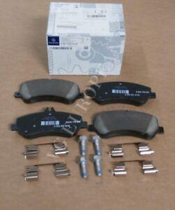NEW Mercedes-Benz X204 GLK250 GLK350 GENUINE Front Brake Pad Set 0074207420 !!