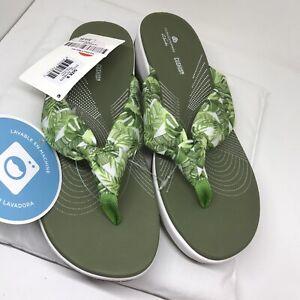 Clarks Cloudsteppers Sandals Size 8M Flip Flop White Textile Fabric Model Arla G