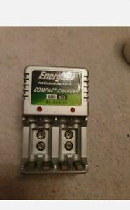 Energizer Compact Travel Battery Changer 4x AA OR AAA Rechargeable UK Plug