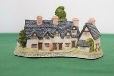 "David Winter ""Craftmens Cottage"" In excellent condition with Coa, boxed."