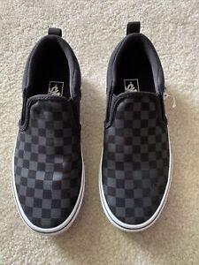 Kids Slip On Black Checkered Vans Asher size 4