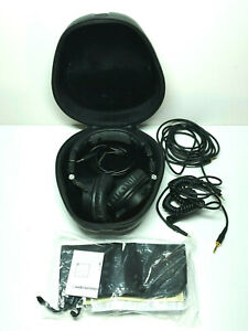 Audio-Technica ATH-M50x Sound-Isolating Monitor Headphones W/ Case Cables Papers