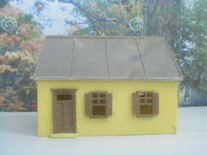 HO scale cottage House  assembled