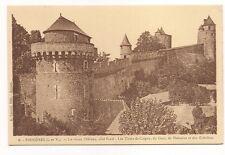 fougères  le vieux chateau  coté nord les tours de coigny