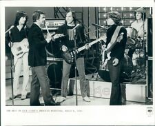 1980 Press Photo Dick Clark With Rock Band The Beat Instruments Bandstand TV