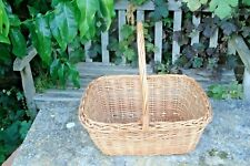 WICKER SHOPPING BASKET. TRADITIONAL.... VINTAGE KITCHENALIA..