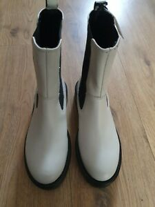Ladies M& S  beige  / cream Leather Boots Uk Size 3.5 Standard fit
